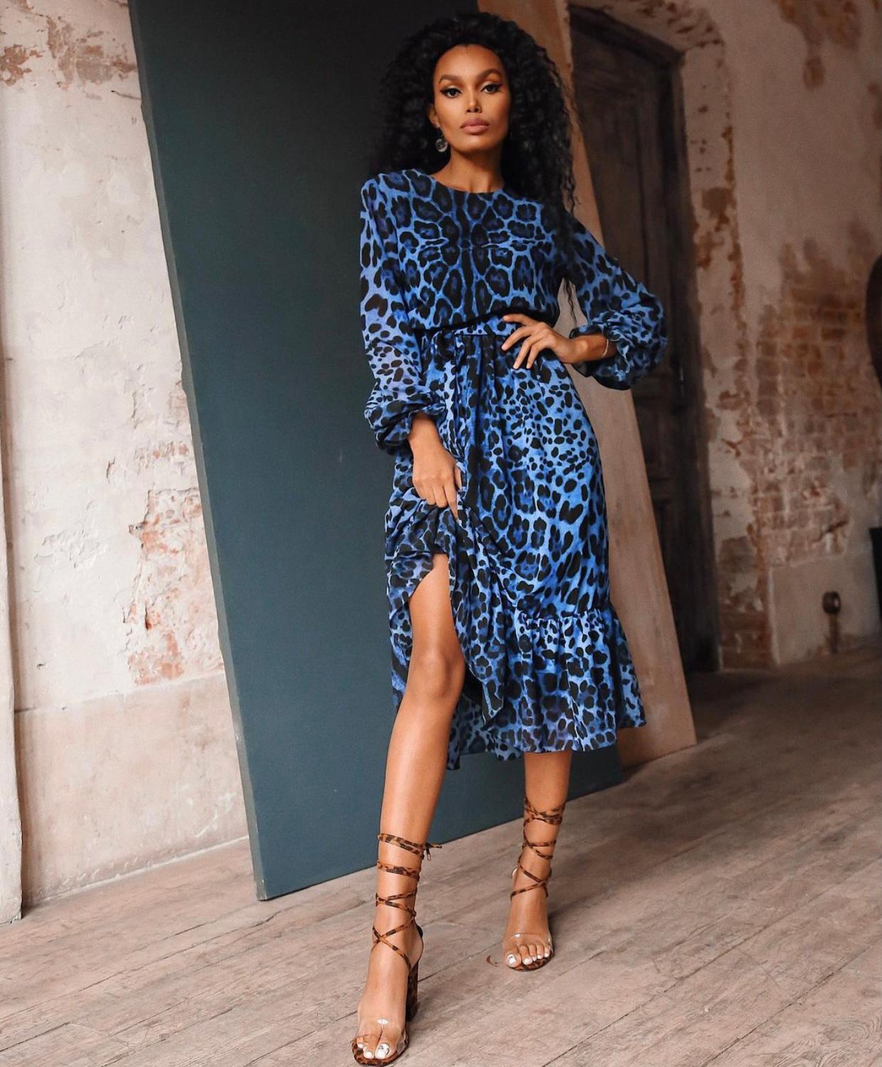 Robe léopard bleue